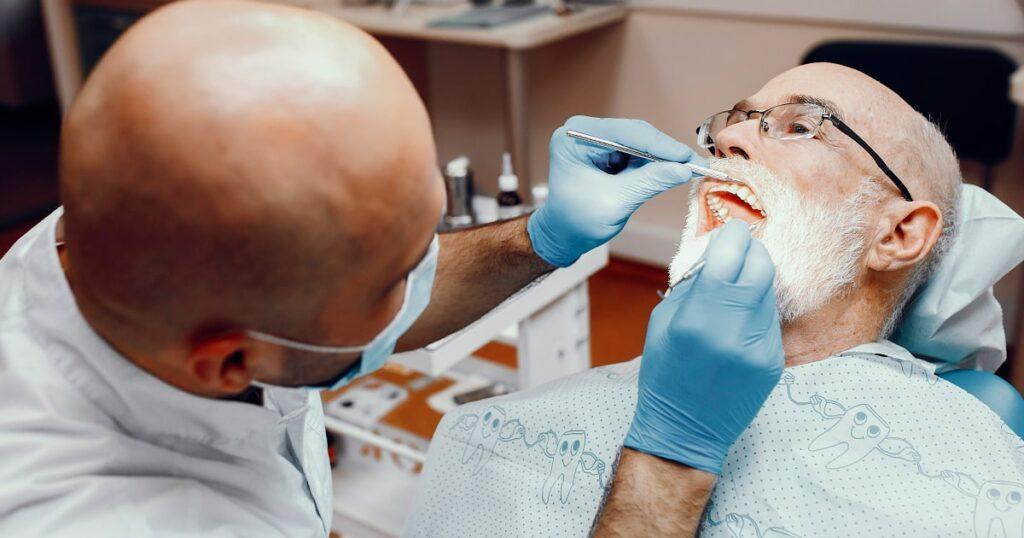 Implantes dentales, solución a fijación